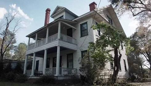 خانه ای که برای ساخت فیلم The Conjuring استفاده شد