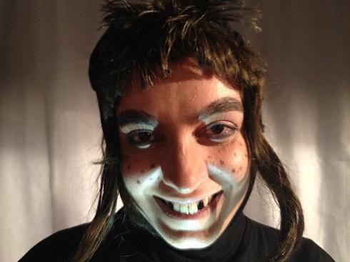 گریم وحشتناک الیکا عبدالرزاقی در یک نمایش