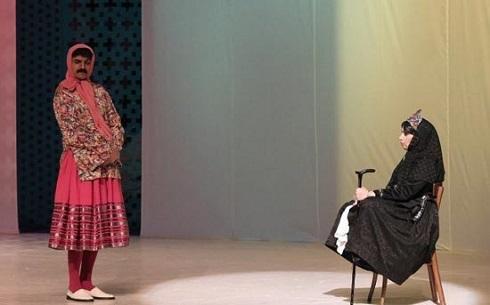 الهام پاوه نژاد در فیلم تئاتر مضحکه شبیه قتل