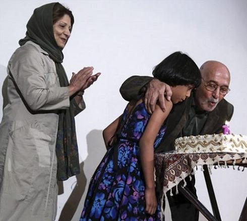 پرویز پورحسینی و نوه اش