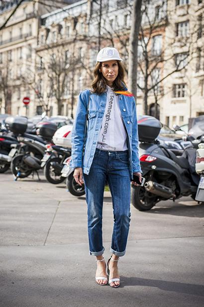 ست کردن کت جین بلند با شلوار جین,راهنمای ست کردن کت جین برای پاییز 2020