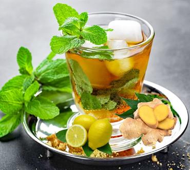 چای سبز خنک با نعناع و زنجبیل,نوشیدنی پاییزی