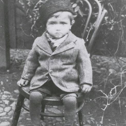 پرویز پورحسینی در کودکی