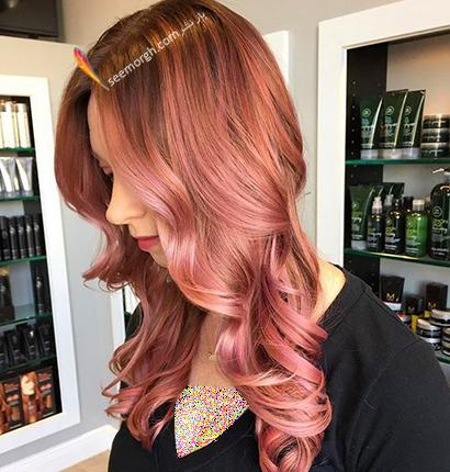 رنگ مو رزگلد با تم صورتی بنفش,رنگ مو رزگلد، پرطرفداترین رنگ مو برای پاییز 2020