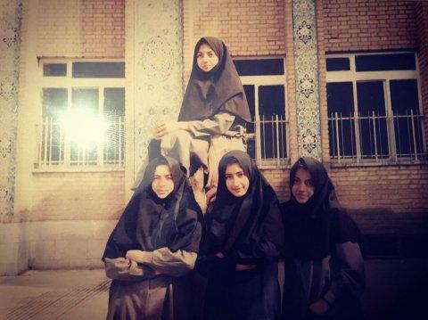 عکس مهناز افشار در دوران دبیرستان