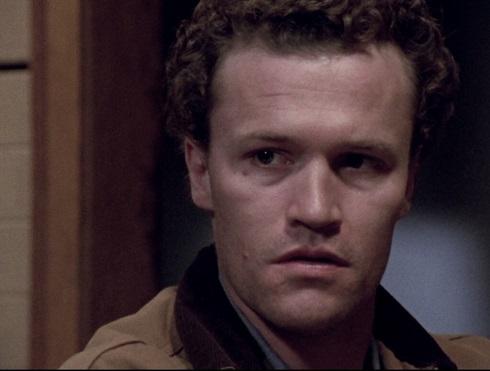 نقش روان آزار مایکل روکر در هنری تصویر یک قاتل زنجیره ای