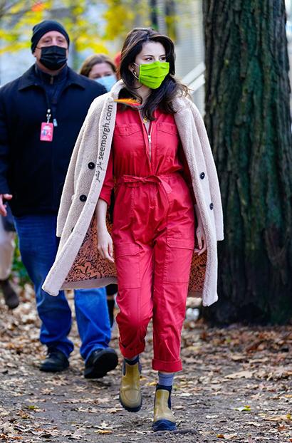 استایل زمستانی 2021 سلنا گومز Selena Gomez,سلنا گومز,استایل زمستانی سلنا گومز,ست کردن لباس زمستانی سلنا گومز