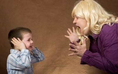 چگونه سر کودکم داد نزنم؟