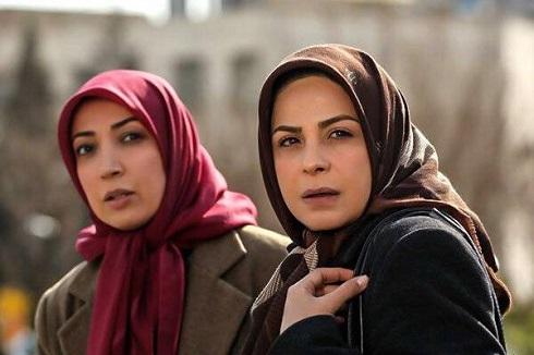 سیما تیرانداز و نگار عابدی در دودکش
