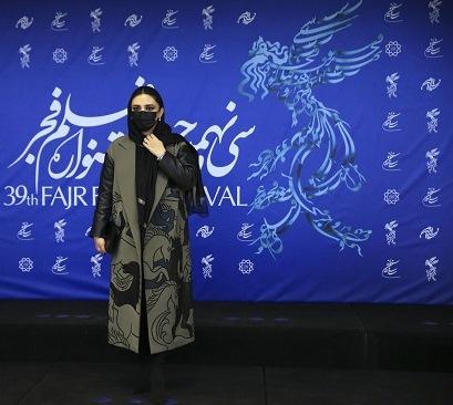 مدل پالتو لیندا کیانی در ششمین روز جشنواره فجر 39,مدل پالتو,مدل پالتو بازیگران زن ایرانی,مدل پالتو در جشنواره فجر