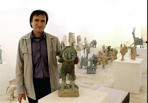 خرید مشترک فرشته حسینی و نوید محمدزاده از یک هنرمند افغان