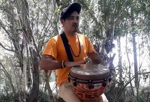 حسن مولازاده نوازنده تومبا
