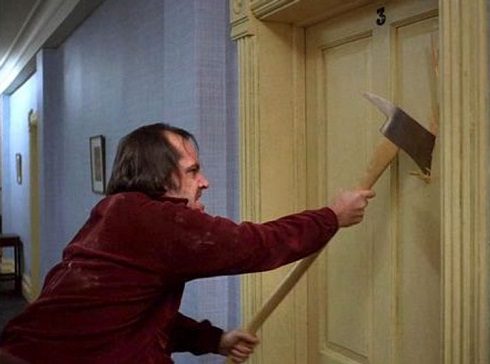 سکانس حمله جک تورنس به همسرش با تبر