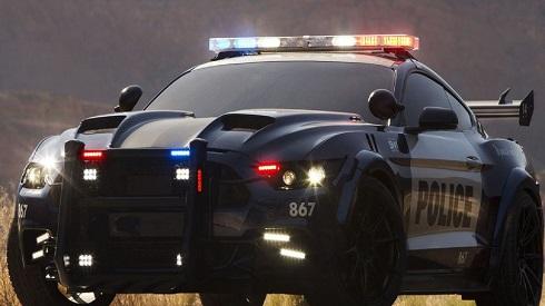 ماشین پلیس در فیلم پرونده های مجهول: مبارزه با آینده (۱۹۹۸)