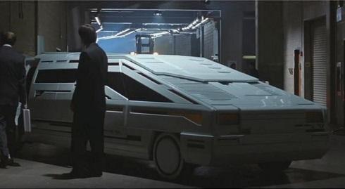 خودرو عجیب پلیس در فیلم پلیس زمان (۱۹۹۴)