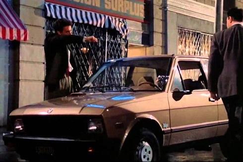 ماشین پلیس در فیلم دام (۱۹۸۷)
