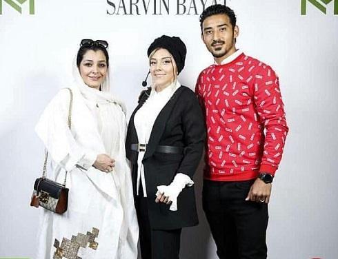 ساره بیات در کنار خواهرش و رضا قوچان نژاد