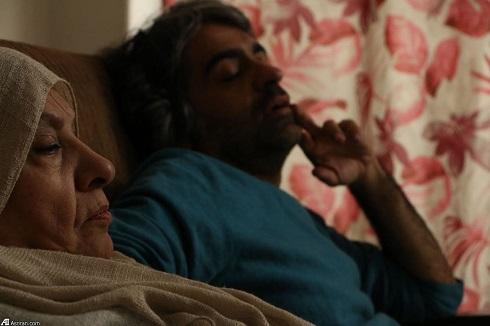 """""""بابک خرمدین"""" در کنار مادرش در پشت صحنه فیلم کوتاه """"بودن"""""""