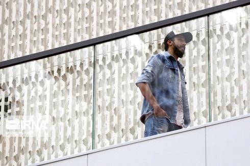 حضور بهرام افشاری در جشنواره جهانی فیلم فجر 1400