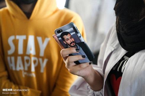 حضور طرفداران بهرام افشاری بازیگر فیلم«صحنه زنی» در جشنواره جهانی فیلم فجر