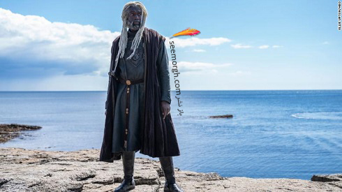 """استیو توسن در نقش لرد کورلیس ولاریون ، معروف به """"مار دریایی"""""""