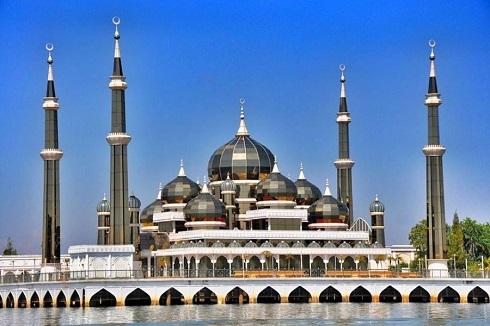 مسجد کریستال در ترنگانو (مالزی)