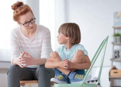 خطرناک ترین اشتباه تربیتی والدین از نظر یک متخصص کودک!!