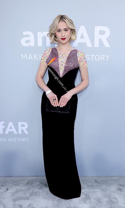 مدل لباس ماریا باکالوا Maria Bakalova در مراسم amfAR 2021