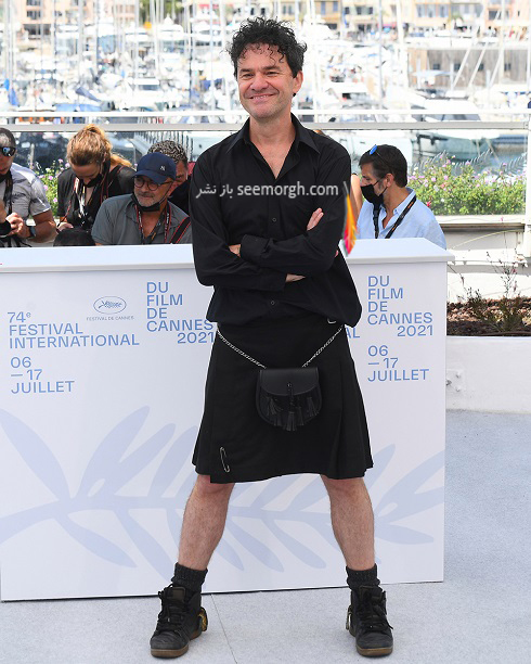Mark Cousins روی فرش قرمز جشنواره فیلم کن 2021