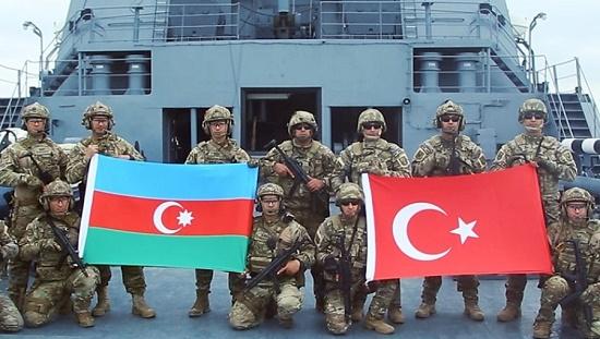 """رزمایش نظامی- دریایی مشترک هفته گذشته نیروهای آذربایجان، ترکیه و پاکستان تحت عنوان """" سه برادر 2021"""" در منطقه آب های سرزمینی آذربایجان در دریای خزر"""