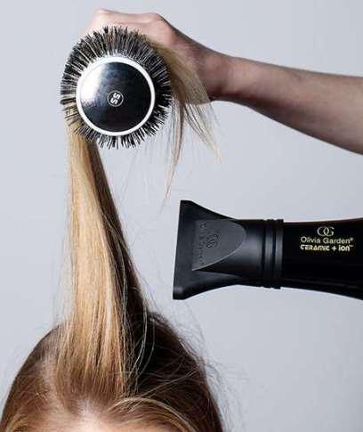 سشوار کشیدن صحیح مو را با خواندن این مقاله یاد بگیرید