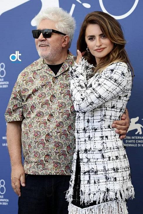 پنهلوپه کروز و پدرو آلمادوار در فوتوکال فیلم Madres Paralelas