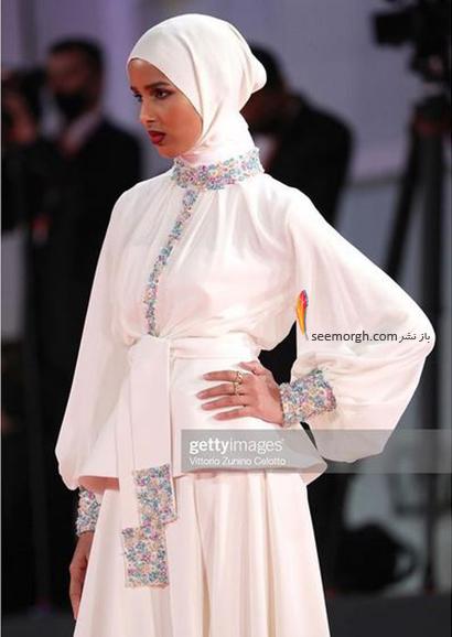 مدل لباس روضه محمد، تنها مدل محجبه در جشنواره ونیز 2021 - عکس شماره 2