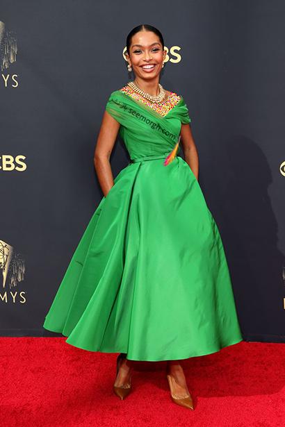مدل لباس در جایزه امی  2021 Emmy - یارا شهیدی Yara Shahidi