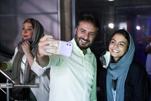 سیدجواد هاشمی و سارا حاتمی در اکران مردمی سریال زخم کاری