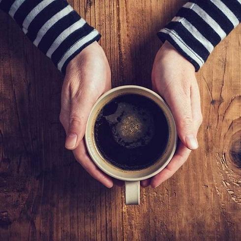 کاهش فشار خون با خوردن قهوه بدون کافئین
