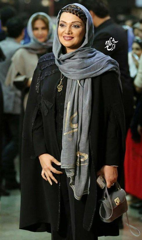 مدل مانتو الهام پاوه نژاد در جشن حافظ 96