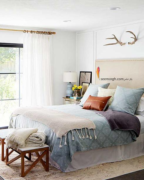 برای اتاق خواب های کوچک از پرده های حریر نازک استفاده کنید