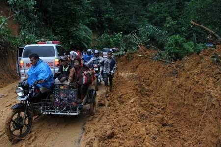 مرگ های دردناک با سیل و رانش زمین در اندونزی