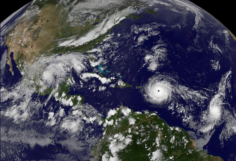 توفان ایرما با 14 کشته در کارائیب راهی فلوریدا شد