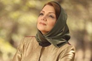 گریم الهام پاوه نژاد در تئاتر کافه پولشری