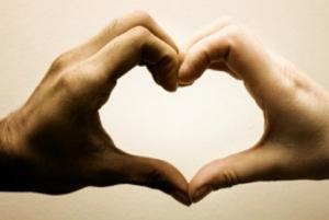 چگونه افراد عاشق را تشخیص دهیم + عکس