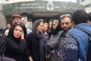 هدیه تهرانی, میترا حجار و ... در جمع اعتراضی بخاطر یک سگ! عکس