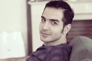 محسن یگانه درباره ممنوع الکاری و خواندن تیتراژ ماه عسل 95 گفت!