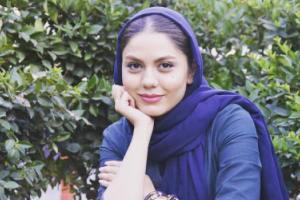 نرگس محمدی و خواهرش در کنار آزاده زارعی