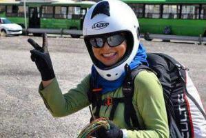 رکورد شکنی فاطمه نوری دختر قزوینی کشورمان با پاراگلایدر! عکس
