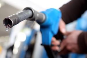 بنزین سوپر یا بنزین عادی: کدام برای ماشین ما مناسب است؟