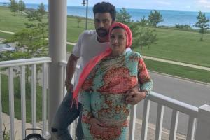 بوسه همسر روناک یونسی برای همسرش پس از بدنیا آمدن فرزند دوم! عکس