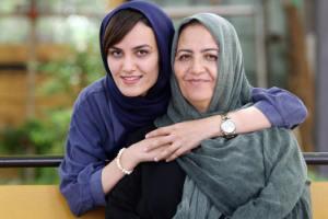 تیپ و چهره میترا حجازی پور در خارج از کشور! عکس