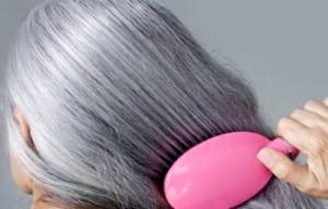سفید شدن مو را می توان با مواد غذایی به تعویق انداخت؟